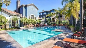 OPEN HOUSE EXTRAVAGANZA! Luxury home you deserve waiting for you! Expanded gym/New York style ba... in Vista, California