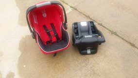 Britax car seat, base, and stroller in Perry, Georgia