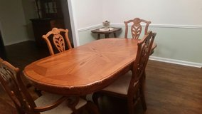 Oak table with leaves and 6 chairs dining set in Columbus, Georgia