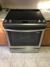 NEW! PRICE DROP!! Whirlpool Gold Series Electric Range in Elgin, Illinois