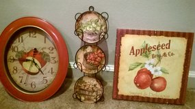 Kitchen decor/ Apples clock, picture and small plate with rack in Columbus, Ohio