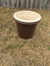 NEW 12-in. Plastic pot containers in Camp Lejeune, North Carolina