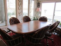 Dining room table and rolling chairs in Cadiz, Kentucky