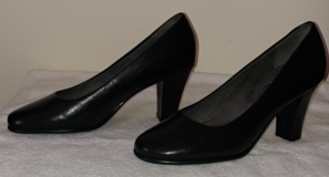 LADIES SHOES SIZE 71/2 in Eglin AFB, Florida