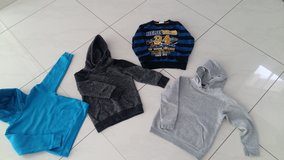 Sweater for boy Good condition in Ramstein, Germany