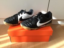 Nike leather sport shoes Kids size 11 EU 28 in Ramstein, Germany