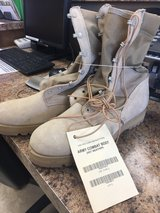 Army Combat Boots Size 11R Type 2 in Barstow, California