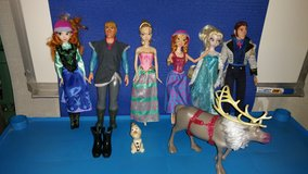 Frozen dolls in Naperville, Illinois