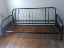 Full size futon frame (metal) in Lawton, Oklahoma