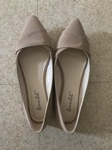 Brand new nude flat size 8.5 in Okinawa, Japan