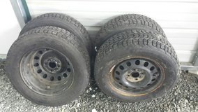 Firestone 185/70R14 Studded Snow Tires in Kirtland AFB, New Mexico