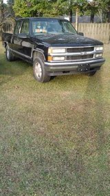 1998 Silverado Z71 parts in Cherry Point, North Carolina
