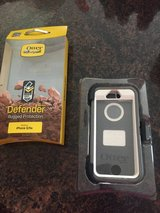 Otterbox defender case Iphone 5/5/s in Kingwood, Texas