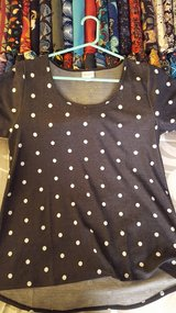 LULAROE Classic t! in Yucca Valley, California