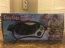 Easy Bake Oven- New Style w/6 NEW Food Kits in Kingwood, Texas