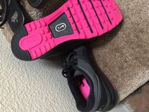 Nike air max black and pink. In perfect condition in San Clemente, California