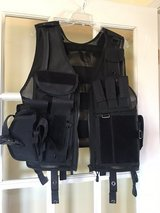 MENS TACTICAL VEST in Fort Campbell, Kentucky