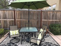 Outdoor dining set w/ 4 chairs & umbrella in Temecula, California