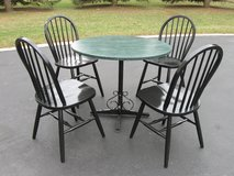 Table & Chairs in Lockport, Illinois