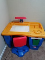 kids desk in Lockport, Illinois