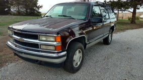 1996 Chevy Tahoe 4 wd in Springfield, Missouri