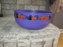 Two Large Plastic Halloween bowls - Purple and Green - like new - Cute! in Oswego, Illinois