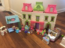 Fisher price loving family doll house in Vista, California