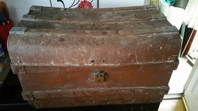 Vintage metal steamer chest/trunk in Cambridge, UK