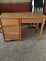 Desk with 4 drawers in Bolingbrook, Illinois