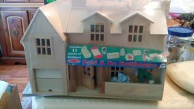 Melissa and Doug fold and go doll house in Beaufort, South Carolina