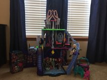 Monster High House, accessories and dolls with case in Joliet, Illinois
