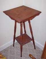 Occasional Table Solid Wood in Fort Leonard Wood, Missouri