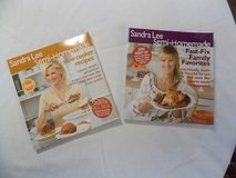 Sandra Lee Cookbooks in Fort Campbell, Kentucky