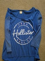 Hollister,size small in Plainfield, Illinois