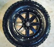 20 inch moto metals 37 inch tires brand new in Fort Riley, Kansas