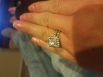 Engagement ring and wedding band in bookoo, US