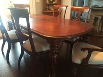 Dining Room Table and Chairs in St. Louis, Missouri