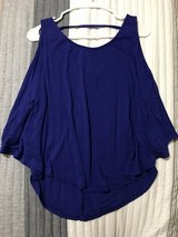 Blouse size small in Fort Irwin, California