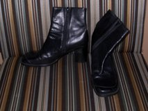 Women's Short Black Boots Size 7M in Camp Lejeune, North Carolina
