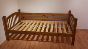 Twin bed frame in Ramstein, Germany