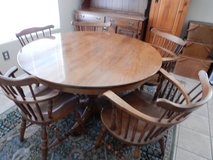 Round Kitchen Table with chairs in Alamogordo, New Mexico