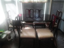 6 seater cherry wood dinning room set..Excellent Condition in Lawton, Oklahoma