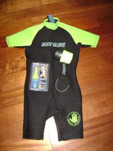 Bodyglove Shorty Wetsuit (Men's XL) / Dive Light in Travis AFB, California