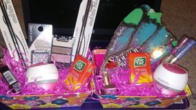 BASKETS... WILL BE WRAPPED IN CELLOPHANE AND HAVE RIBBON in Beaufort, South Carolina