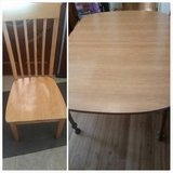 Kitchen table and 4 chairs in Vacaville, California