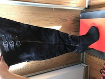 Knee high boots in Glendale Heights, Illinois