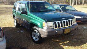 parting out 96 jeep grand Cherokee 4.0 in Camp Lejeune, North Carolina