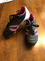 Size 13 Girls Umbro Soccer Cleats in St. Charles, Illinois