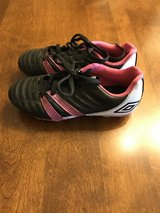 Girls Size 1 Umbro Soccer Cleats in St. Charles, Illinois
