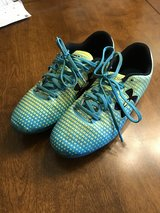 Girls Size 3.5 Umbro Soccer Cleats in St. Charles, Illinois